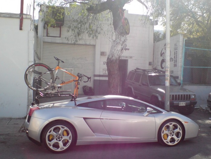 md_lamborghini-gallardo-bike-rack