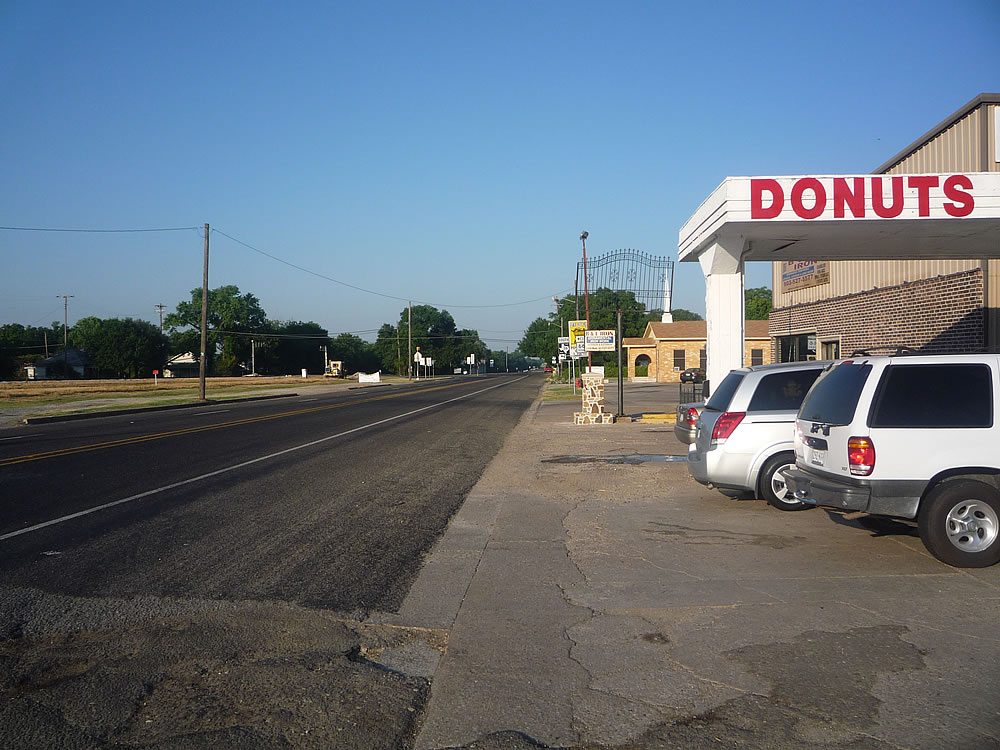The donut shop. This is also where Hwy 66 runs through Caddo -- a road I could only take so much of before I had to get on another farm road.